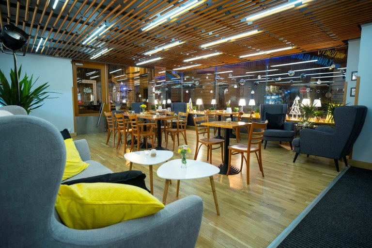 Ikonický Klub Atlantik nabízí nájem své kavárny