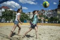 Písek v centru bude na Masarykově náměstí do konce srpna