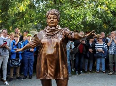 Rada rozhodla o budoucnosti soch Věry Špinarové a Leoše Janáčka