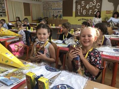 Reportáž o prvním školním dni na ZŠ Zelená a přípravě Vánoc