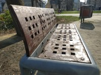V centru Ostravy renovujeme 46 laviček