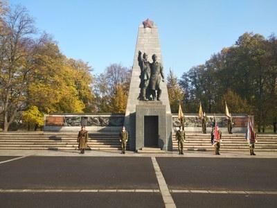 V Komenského sadech v Ostravě jsme si připomněli Den veteránů