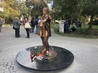 V úterý byla odhalena socha Věry Špinarové
